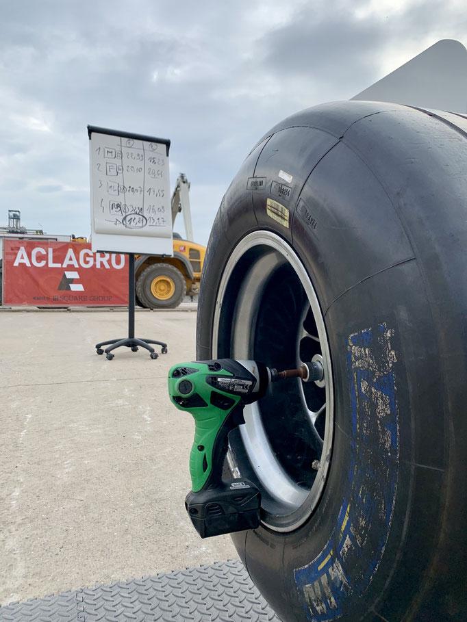 Simulator Formel Reifen wechseln