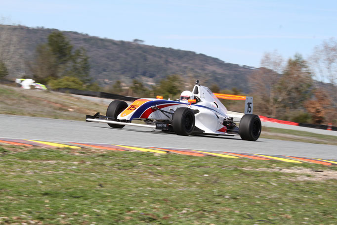 Formel 4 fahren