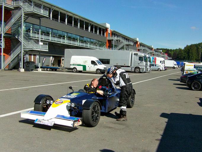 Formel 3000 Replica selbst steueren SPA