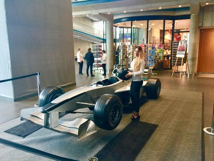 Formel 1 Showcar Simulator mieten