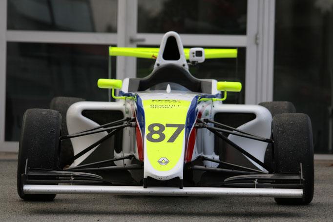 Formel 4 Auto fahren
