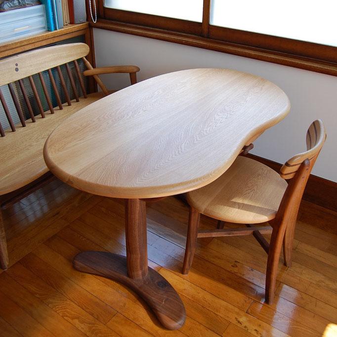 書斎で使う小ぶりなそら豆テーブルセット(小田原市・I様邸)