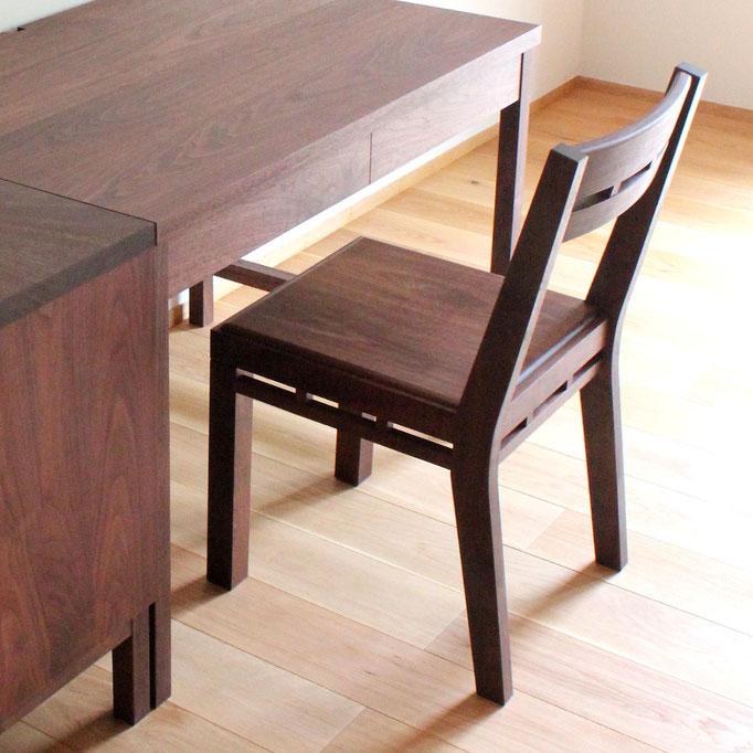 組木の椅子 ウォルナットバージョン(鎌倉市・T様邸)