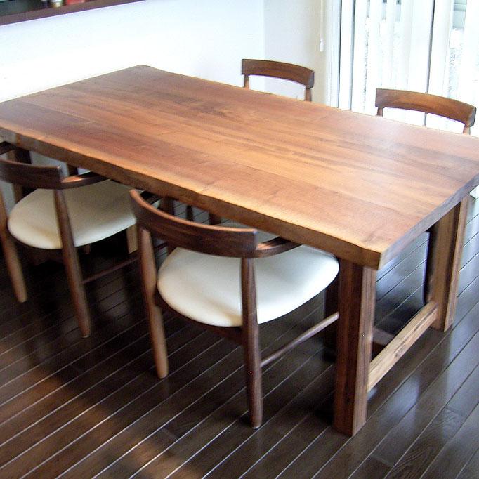 座卓にもなるウォルナット耳付きダイニングテーブル&特注ダイニングチェア(綾瀬市・Y様邸)
