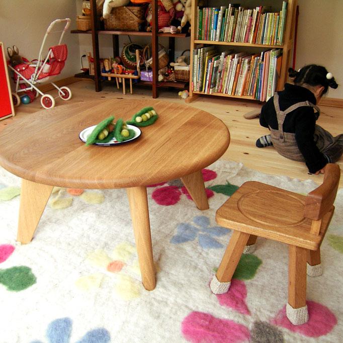 子供の丸テーブルと子供椅子(U様邸)
