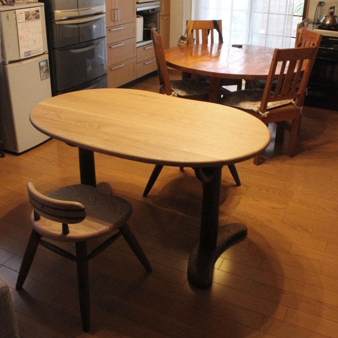 そら豆テーブルとそら豆小椅子(那智勝浦町・N様邸)