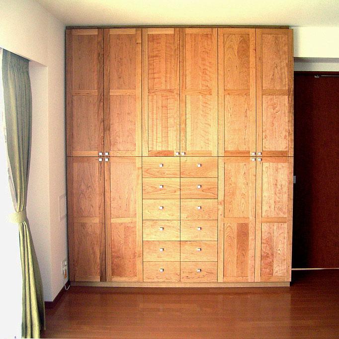 マンションリビングに造り付けた壁面収納キャビネット(横浜市・A様邸)