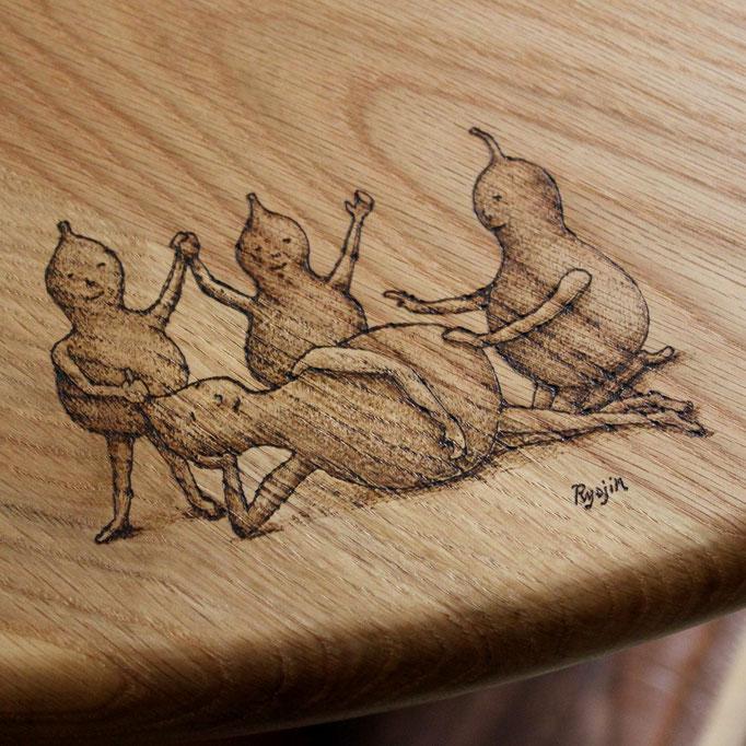 ひょうたんビトのイラスト入り そら豆ダイニングテーブル(さいたま市・I様邸)