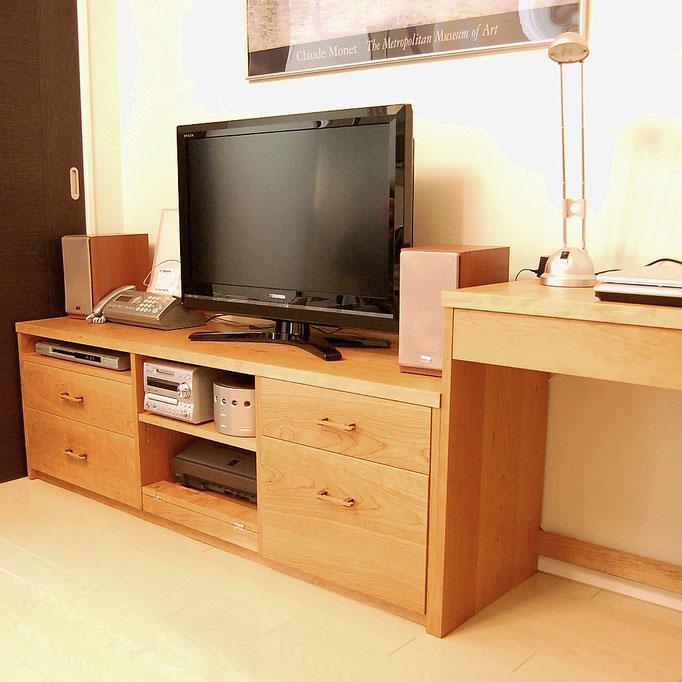 テレビボードとPCデスク(横浜市・T様邸)