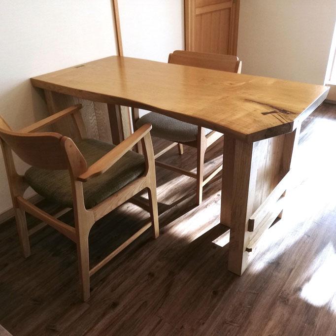 一枚板の座卓をリメイクしたダイニングテーブル(愛川町・M様邸)