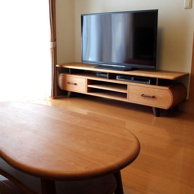 そら豆センターテーブルに合わせた特注テレビボード(高崎市・I様邸)