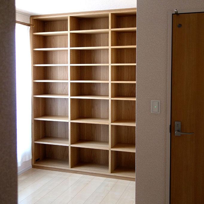 壁一面に造り付けた本棚(相模原市・S様邸)