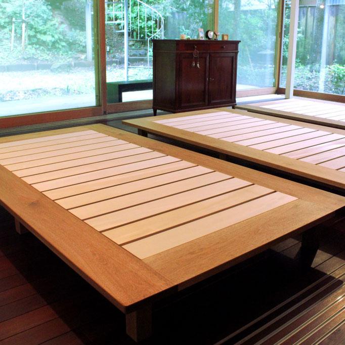 クルミ材のフラットなローベッド(鎌倉市・T様邸)