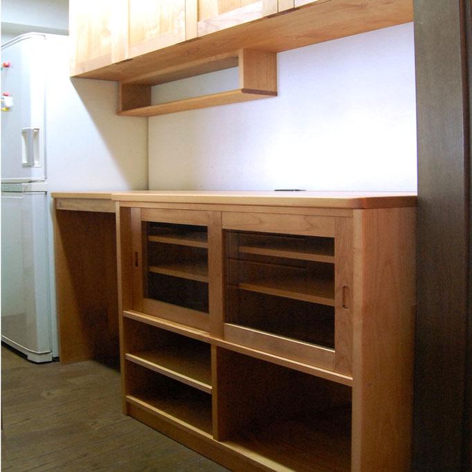 狭いキッチンを使いやすく快適にする壁面収納(相模原市・M様邸)