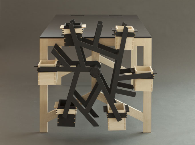 Meisterstück - Schreibtisch in Esche, Linoleum und CDF