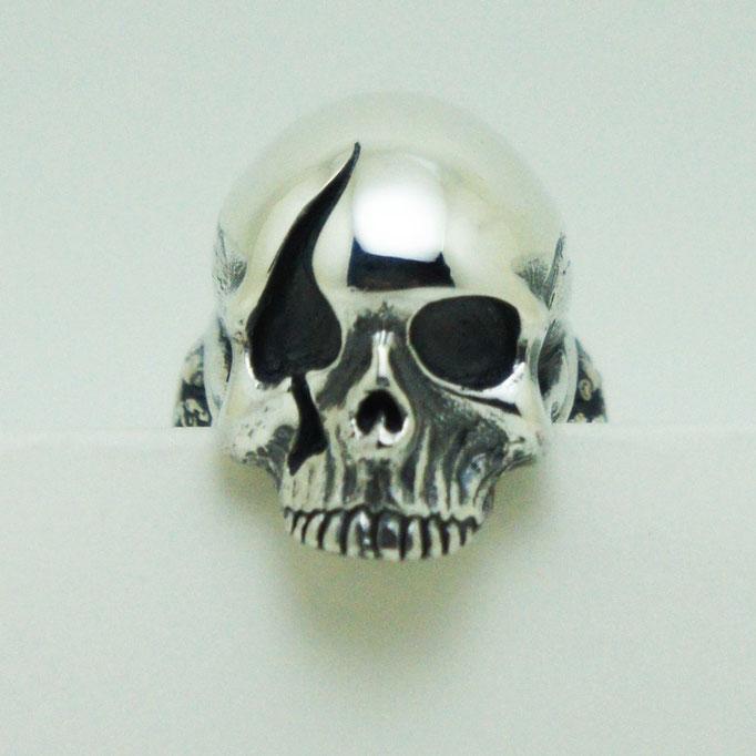 spade skull ring