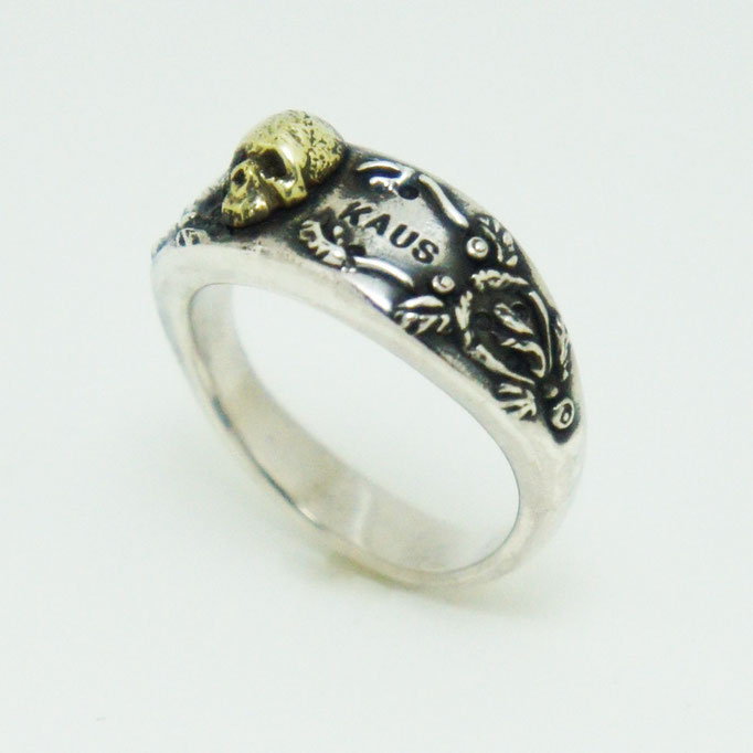 samall skull ring material : sv 925 color : Porished size : 8mm x 21mm x 6mm
