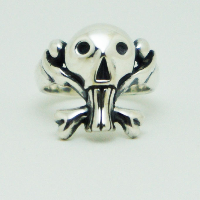 funny skull ring:ゆる~くってポップで可愛目なクロスボーンスカルのリングです。ワルカワイイ★