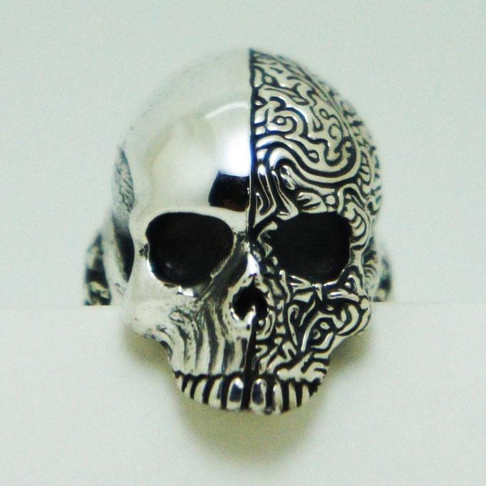 two face skull ring:ツーフェイスを一つの骸骨に表現してみました。ここにも隠れスペード♪スペードの形って良いですよね♪