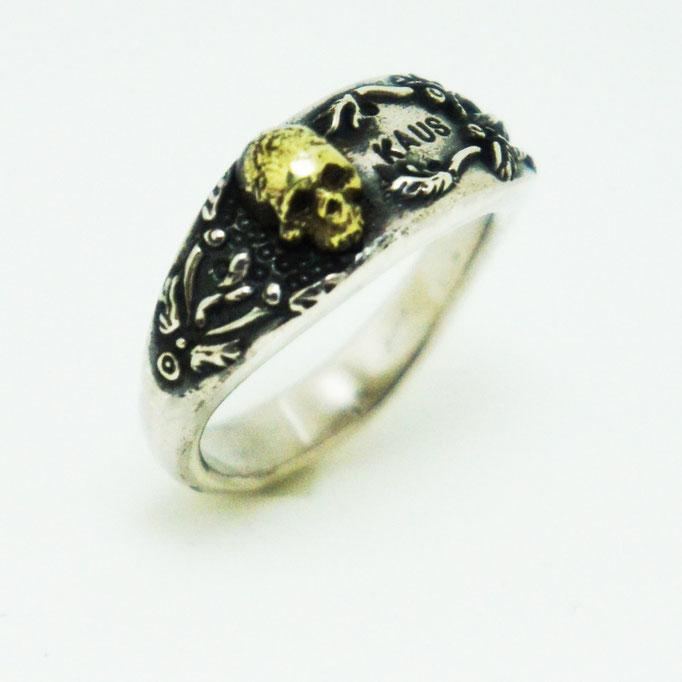 samall skull ring ¥18,000