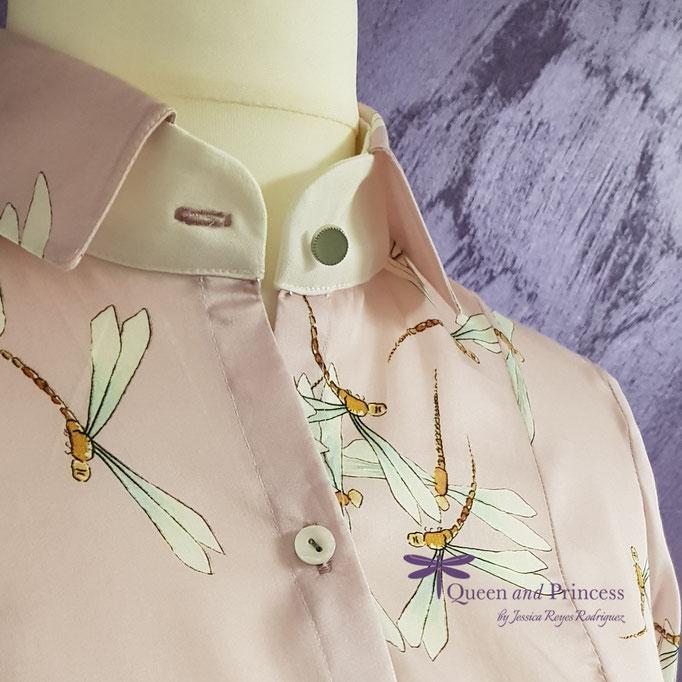 elegante Bluse aus rosa Baumwolle, jadegrüner Knopf, 139,-€