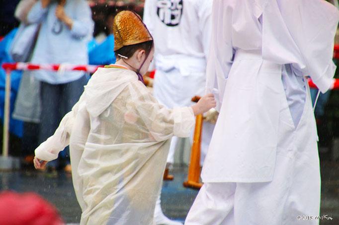 綾傘鉾の稚児