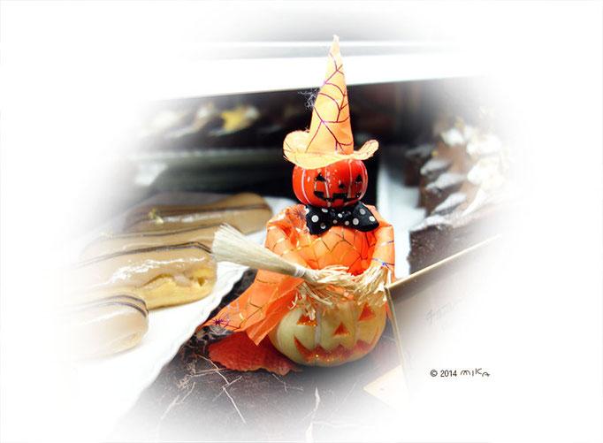 ケーキのウィンドウ(セイルフィッシュカフェ)2014年