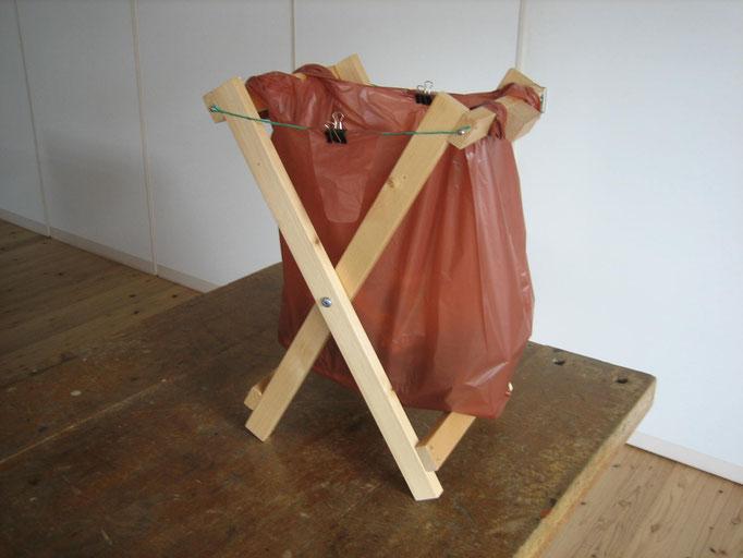 ゴミ袋スタンド 木工工作にチャレンジしてみよう!家で役に立つ物が作れるよ。 1500円