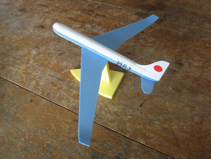 発泡スチロールグライダー 本物と同じ型。飛ぶかな~!? 300円