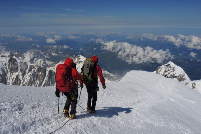 Abstieg über Bossesgrat am Mont Blanc