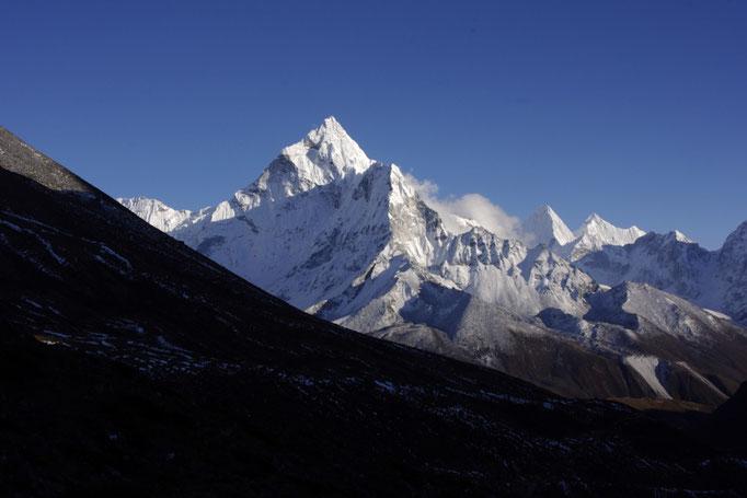 Die Ama Dablam gesehen nahe Duglha, Everest Trekking