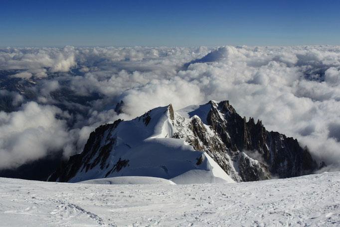 Blick vom Montblanc zu Mont Maudit, Mont Blanc du Tacul und Aiguille du Midi
