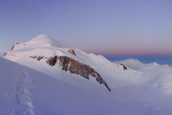 Mont Blanc Gipfel im Morgenlicht
