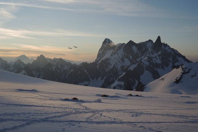 Panorama Seilbahn am Mont Blanc im Hintergrund Grand Jorasses