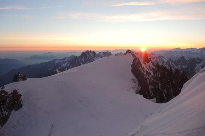 Sonnenaufgang über Montblanc du Tacul