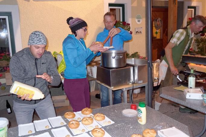 24 Stunden Wanderung für Nepal, Verpflegestation Singerskogel