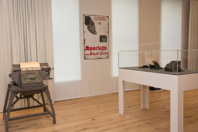 Ausstellung >>>AUSGERECHNET<GESELLSCHAFT>>>