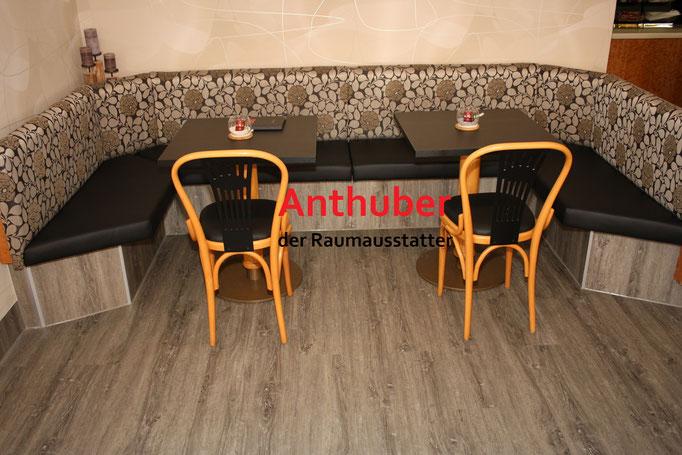 Bild: Verlegen von strapazierfähigen Vinylboden bei der Bäckerei Treffer (Bild 1)