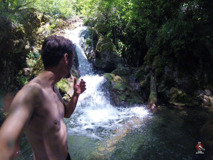 Incantevole l'ultimo salto della Cascata sul sentiero n.4