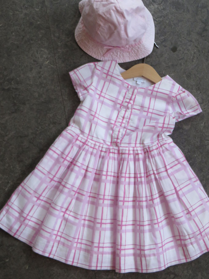 Dress - Jacadi - 4Y - 39,-chf / Hat - H&M - 5,-chf -Second Hand Zürich