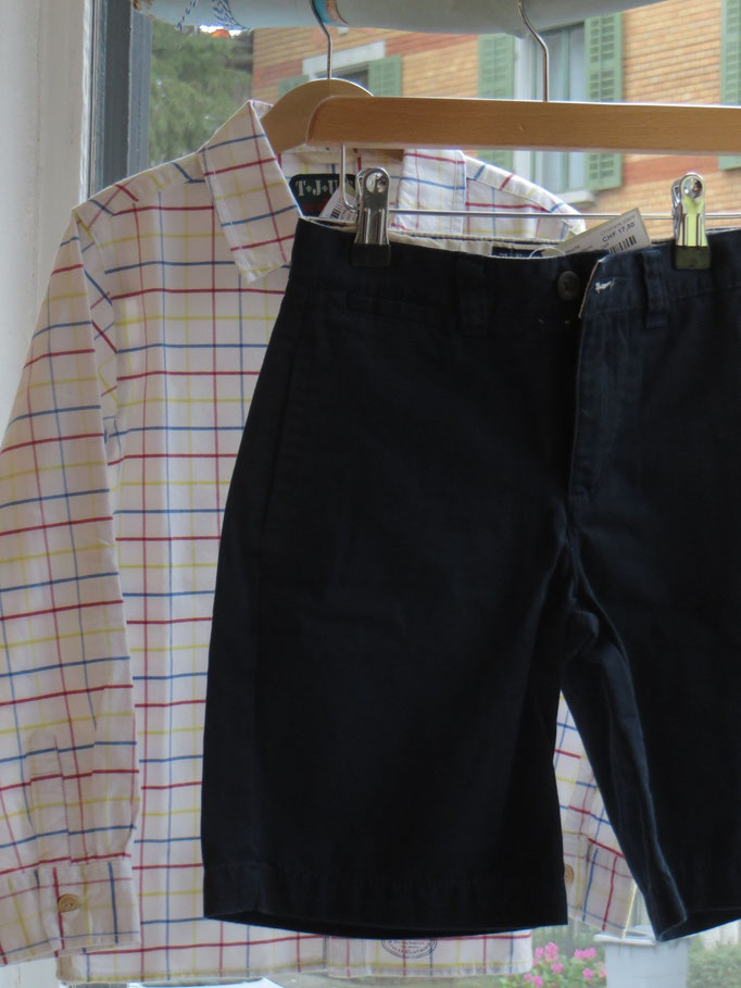 Shirt  - Jonles - 5/6Y - 17.50chf / Shorts - Children's place - 6/7 Y - 17,50 chf - Second Hand Zürich