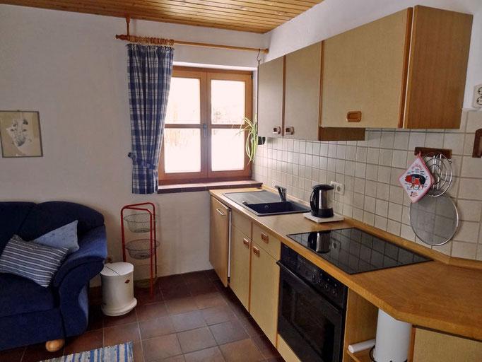 Die gut ausgestatte Wohnküche der Ferienwohnung Meir