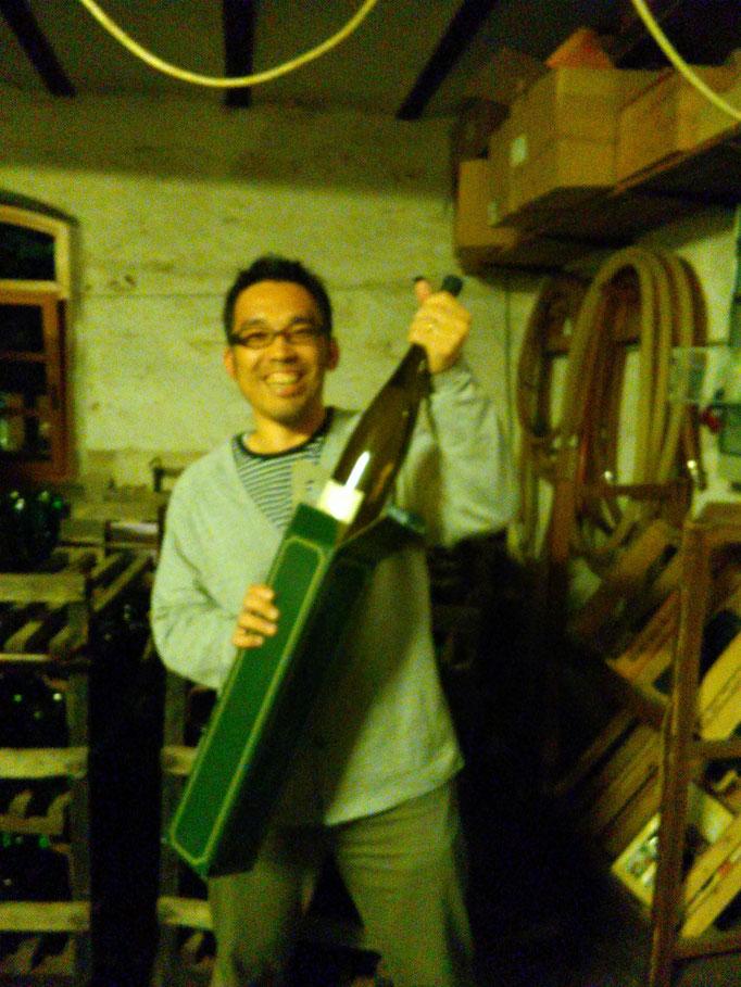 ビックサプライズ!アレン(フランス)が私にワインをプレゼントしてくれました!
