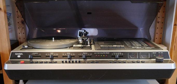 Saba Ultra HiFi Center 9903 mit Dual 1237A Plattenspieler, Kassettendeck mit Dolby-Nr-System, FeCr, CrO2, SNL, Ausgangsleistung: 2× 60 Watt