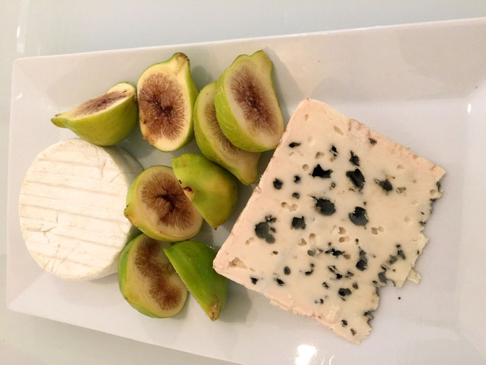 Roquefort and camembert with figs by ZsL