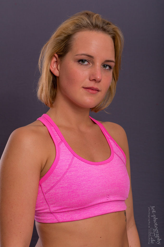 Sportlerinnenportrait von Nici, Studioshooting, September 2015