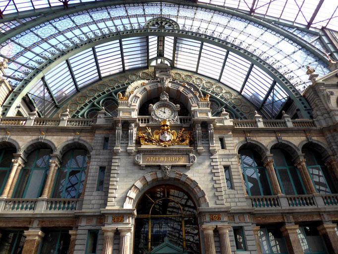 Antwerpen, 2019. Fotoprint, limitierte Auflage von fünf Fotos, 30x40 cm © Christian Benz