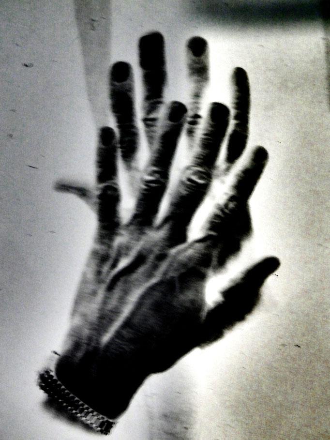 Von Händen und Füßen - Lissabon, 2018. Fotoprint, limitierte Auflage von fünf Fotos, 30x40 cm © Christian Benz
