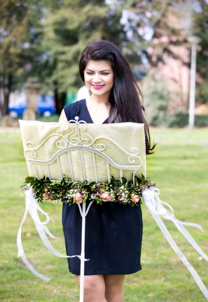 Hochzeitsrednerin Peri-mehrsprachig-freie Trauung