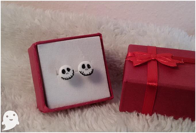 Orecchini con miniatura di Jack Skeletron, completamente in fimo e grandi appena 7 mm ;) ___ 5*